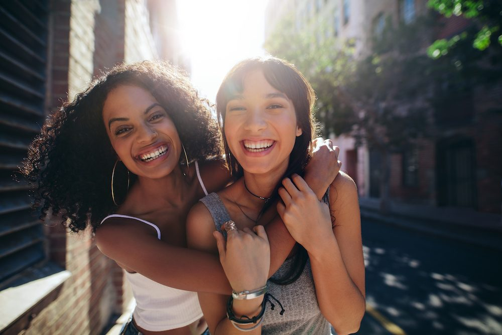 know how friendship relationships differ from love relationships